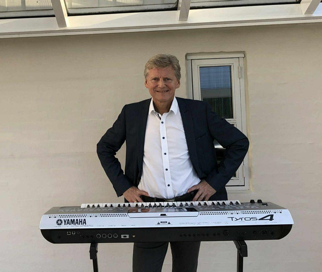 Allan Stade og keyboard