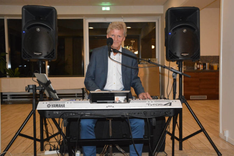 Allan Stade, professionel festmusiker